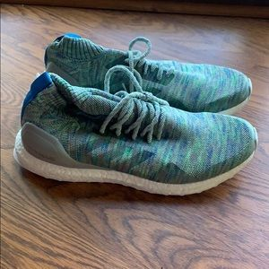 Adidas ultra boost never worn.